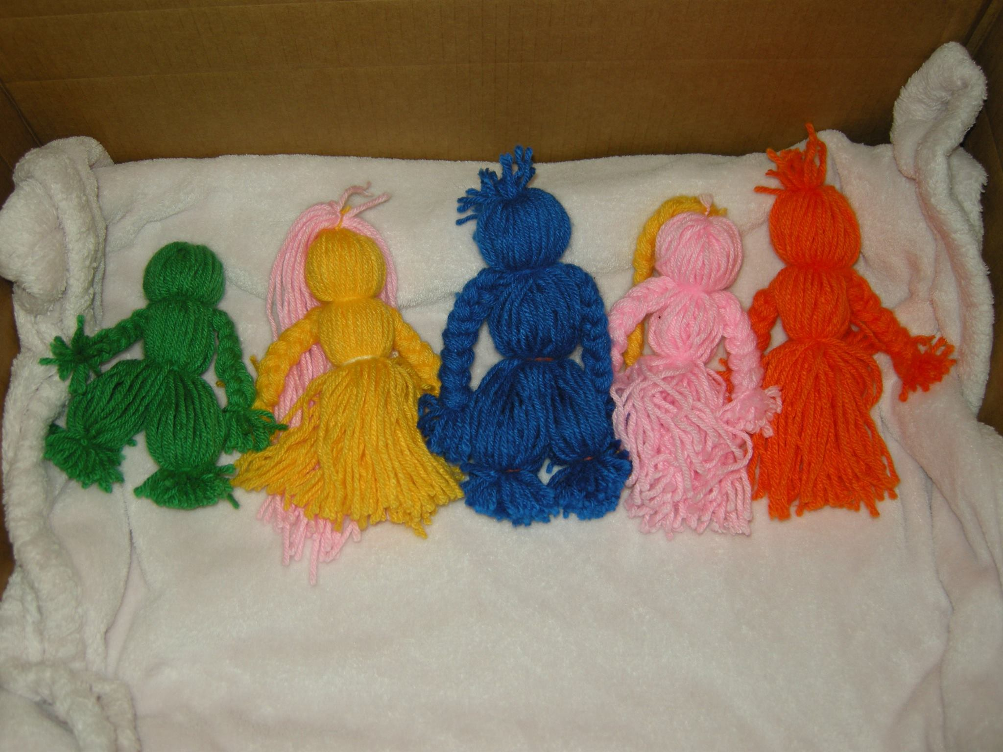 yarn dolls for imbolc